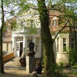Museum - Writings Workshop of Arkady Fiedler  / Muzeum � Pracownia Literacka Arkadego Fiedlera