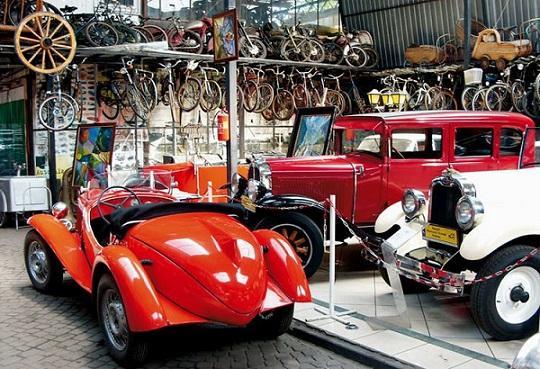 Private Museum of Technique and Motorisation / Prywatne Muzeum Motoryzacji i Techniki w Otrębusach