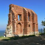 The ruins of the church in Trzesacz / Ruiny kosciola w Trzesaczu